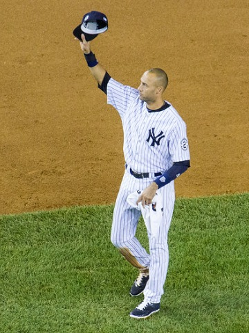 Derek Jeter waves goodbye