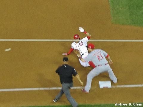 Ian Desmond slides into third